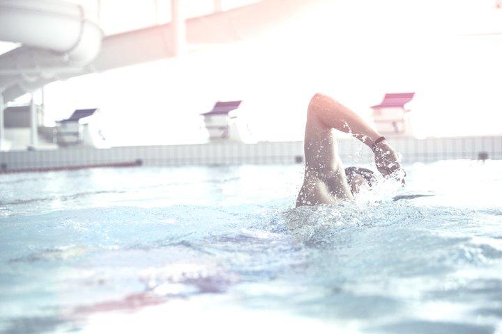 svøm langt hero
